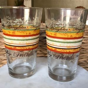 • Set of 2 Drinking Glasses •